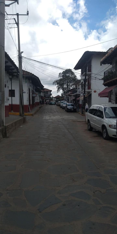 Cuarto Privado Céntrico calle y media de la plaza.