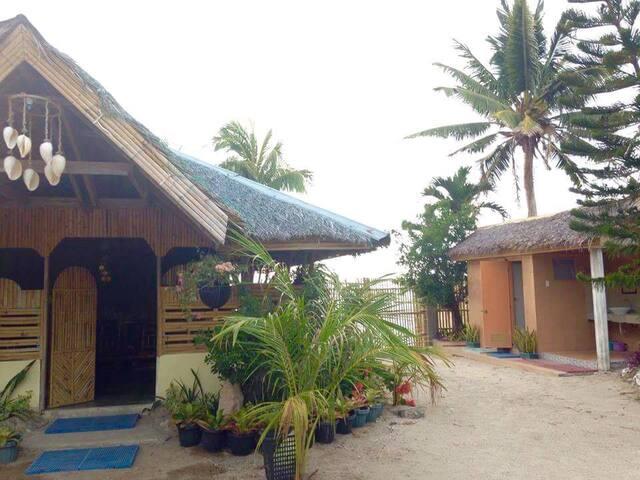 Beach Bahay Kubo - Carles - House