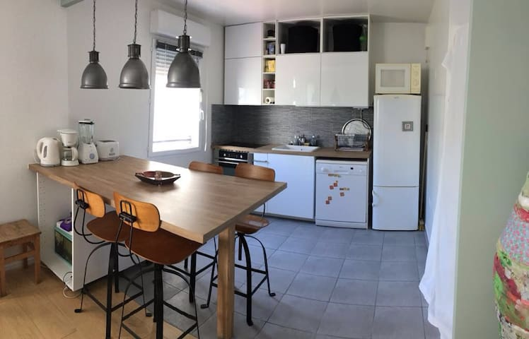 Compfortable flat with parking - Montreuil