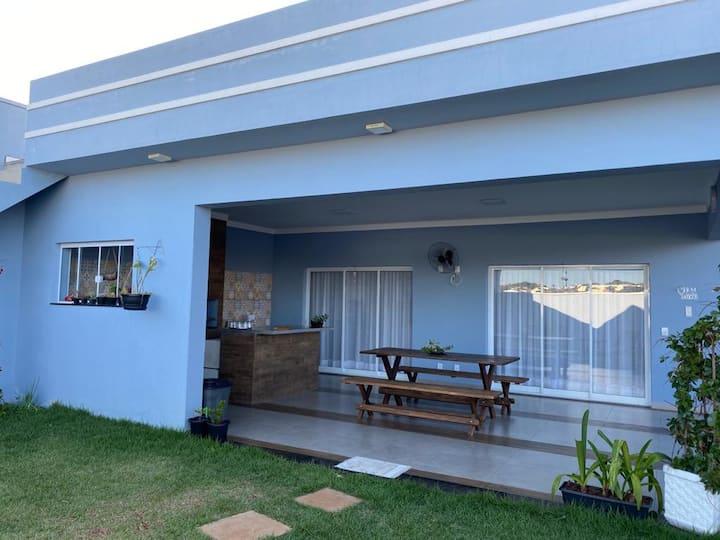 Casa em Brotas-SP, com ótima localização.