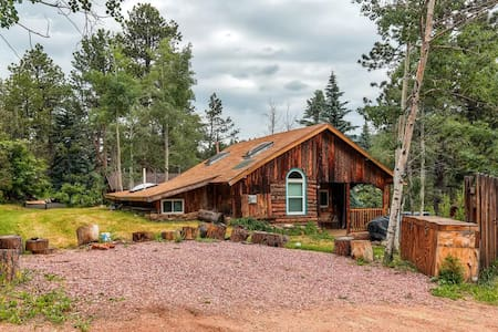Starry Nights - Rustic 2BR + Studio 1BR Cabin - Green Mountain Falls - Sommerhus/hytte