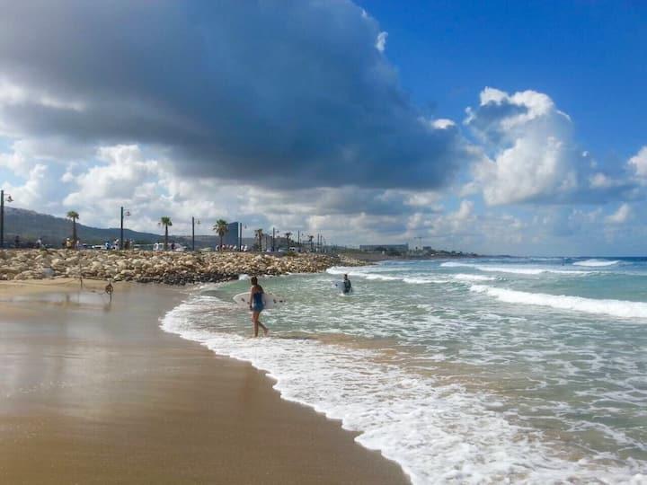 Cozy apartment near the beach in Haifa