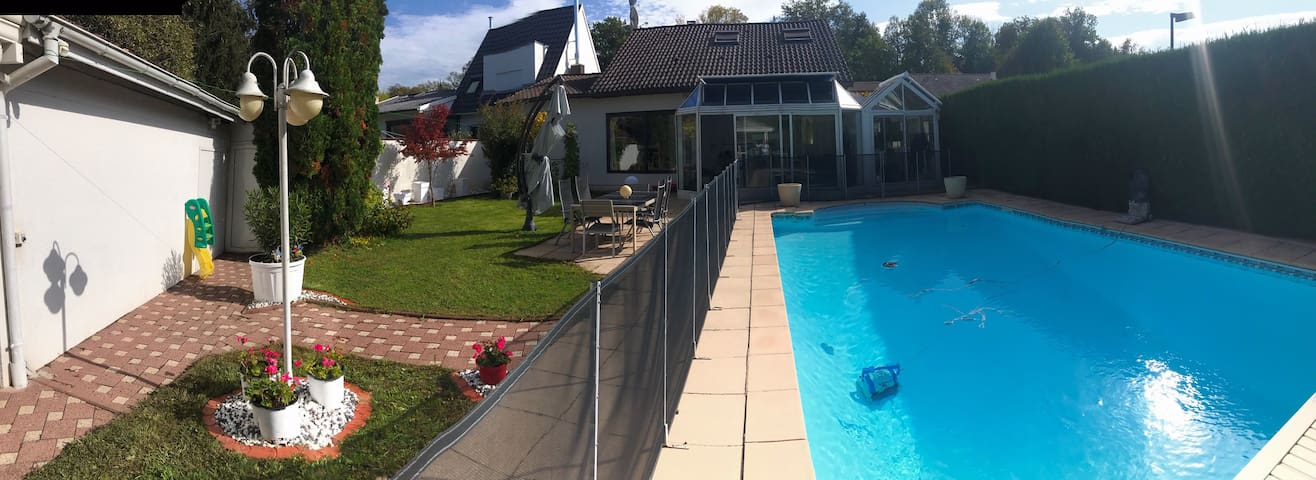 Luxury house 5km from Basel ideal for business