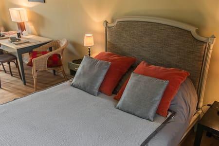 Chambres dans maison bourgeoise atypique - Beaumont-du-Gâtinais