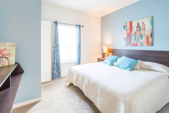COMFY RESORT SUITE IN SHARED HOUSE*CLOSE 2 DISNEY