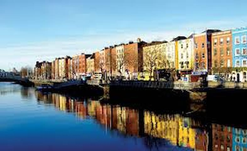 Opposite the Guinness Brewery, minutes from town. - Dublin - Appartement