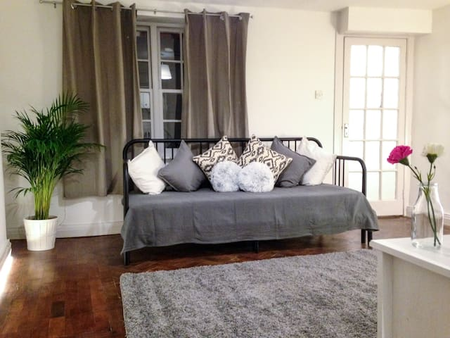 Entire Apartment in Central London, near Oxford St