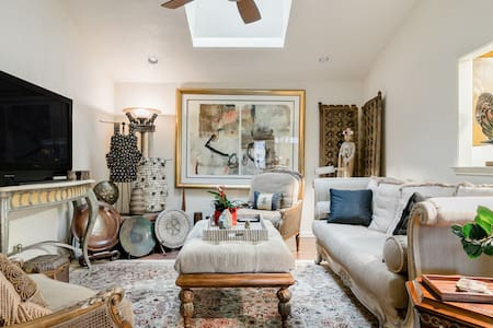 Romantic, Enchanting, Art-Filled Home in Dfw, Tx