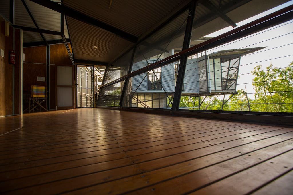 The rozak house spacious architectural natural - The wing house maison ailee en australie ...