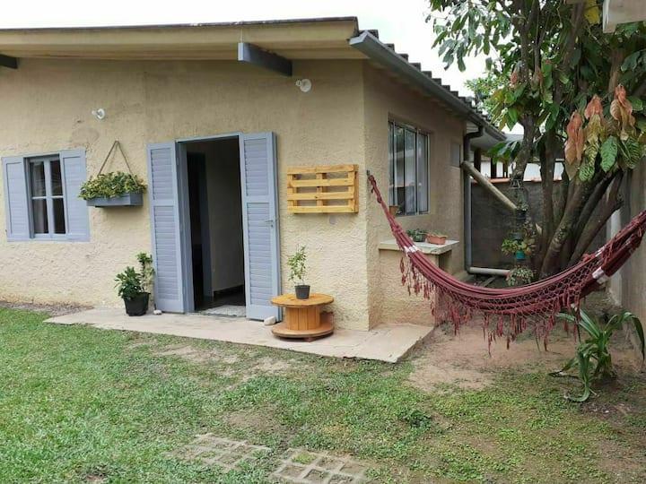 Casa a 500 metros da praia Do Lázaro