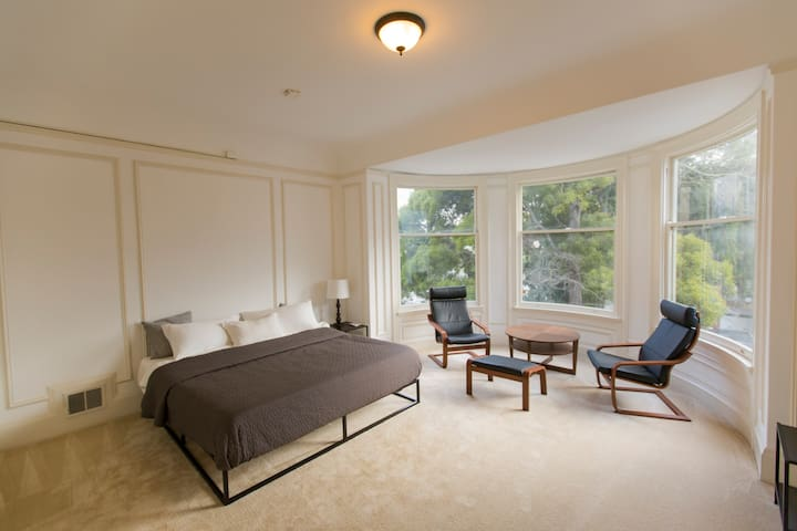 Spacious Victorian Master Bedroom in Russian Hill