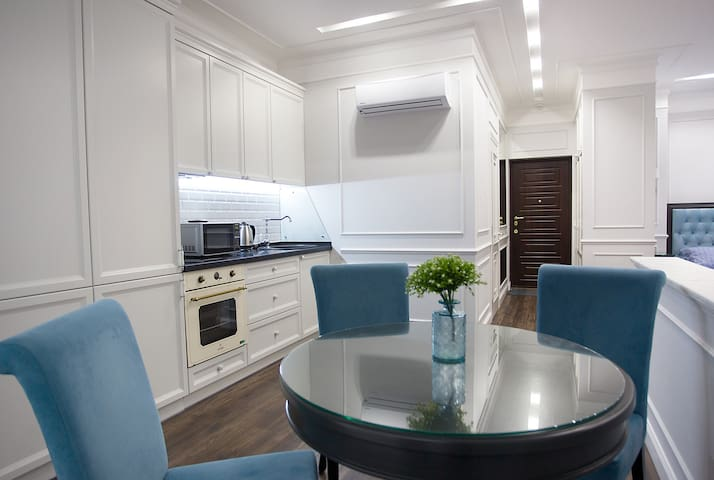 Luxury apartment in the center of Odessa
