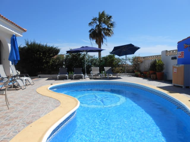 private bungalow with own pool, walled garden - Bolnuevo