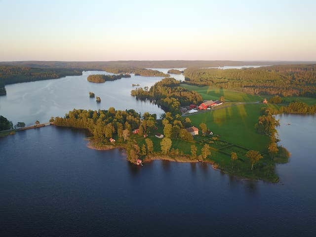 Beautiful villa by the lake on private estate