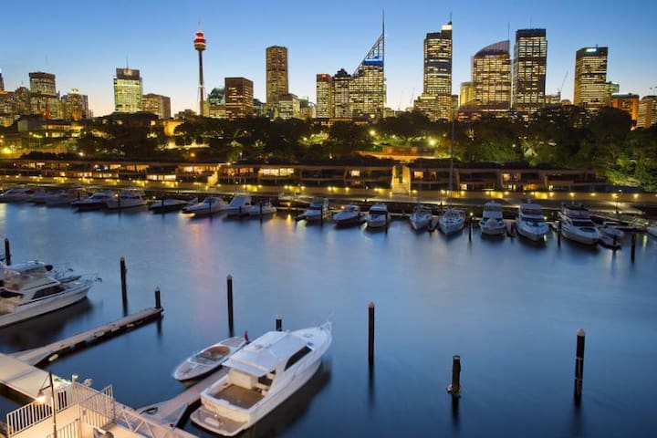 Finger Wharf with water views - Woolloomooloo - Lakás