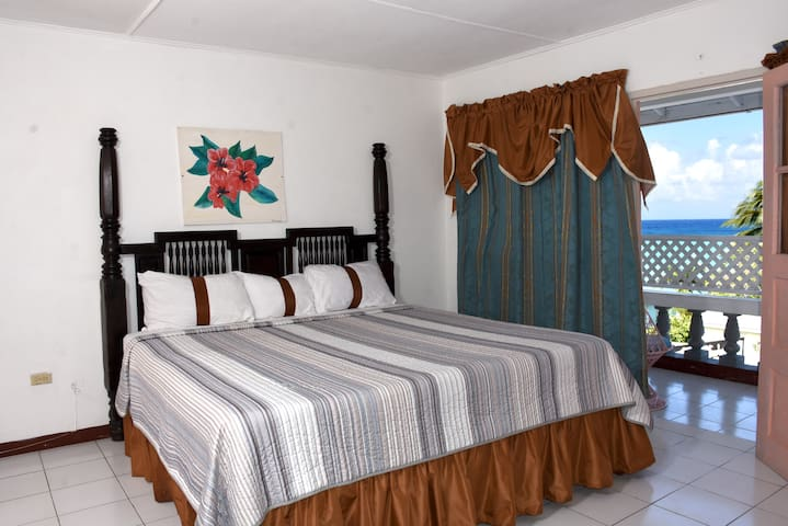 Marine View Hotel/ king size bed a/c and tv