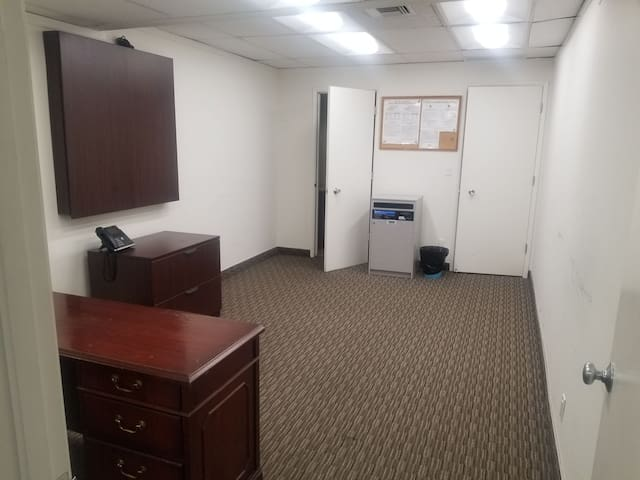 OFFICE SPACE FOR RENT in Van Nuys Ca