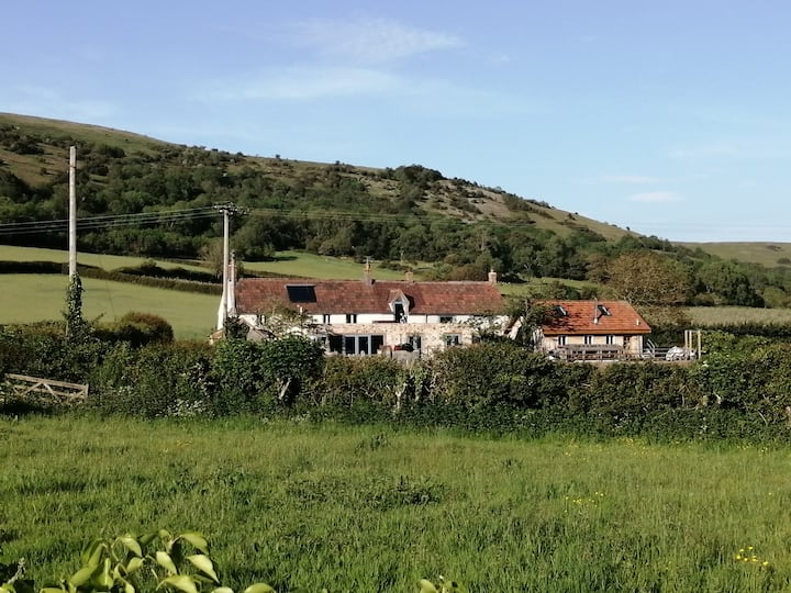 Gorgeous country house with 360' spectacular views