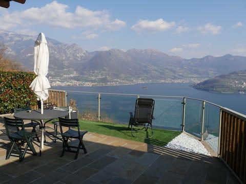 Appartement avec Terrasse dominant le Lac d'ISEO