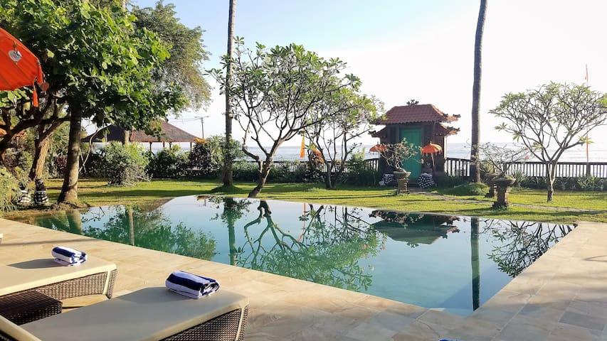 Villa Barat-Oceanfront All Inclusive @The Mahalani