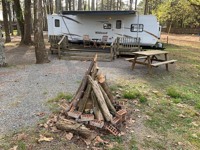 Relax at Lakeside camper at Riverview Campground