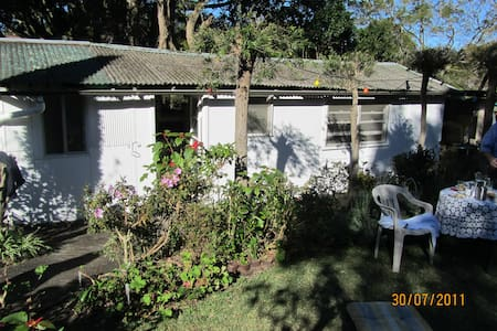 Sunny Garden Flat - Manly Vale