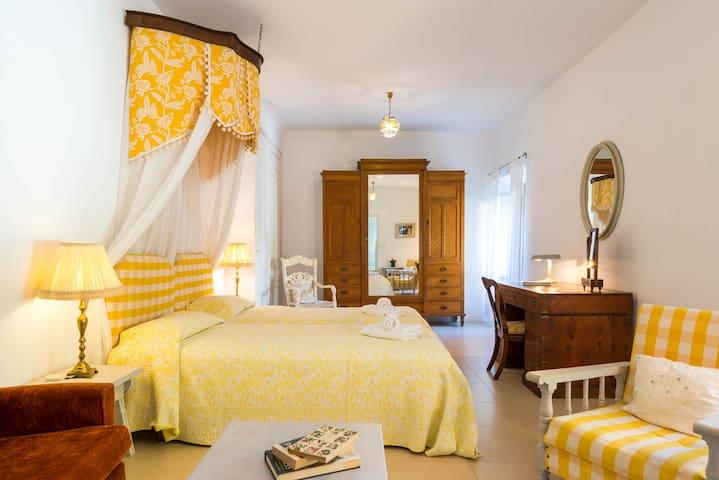 Palacete de Cazulas, Room 8