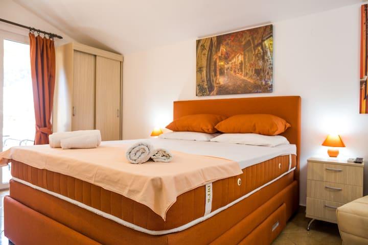 ALOA VERA- jumbo bed/ 750m BEACH-5 minutes CENTER