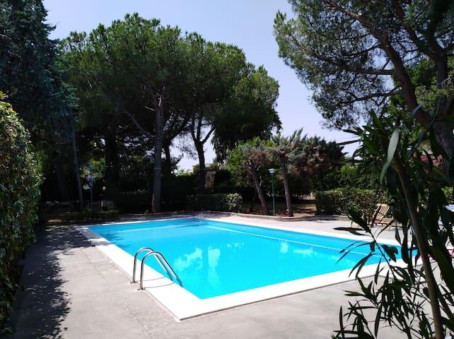 Dépendance in Villa con Piscina Bari