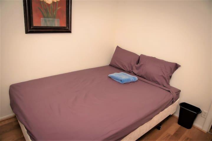 Cozy private room close to UT Dallas (for Women)