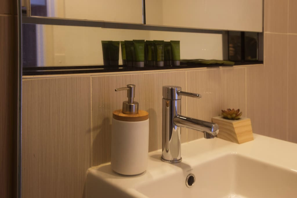 Bathroom with Towels and Amenities