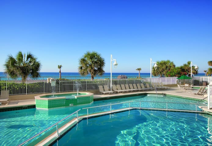 Two Bedroom Luxury Condo in Destin (A360)