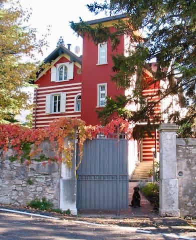 Villa Gemm (Website hidden by Airbnb) Bed, Breakfast & Garden