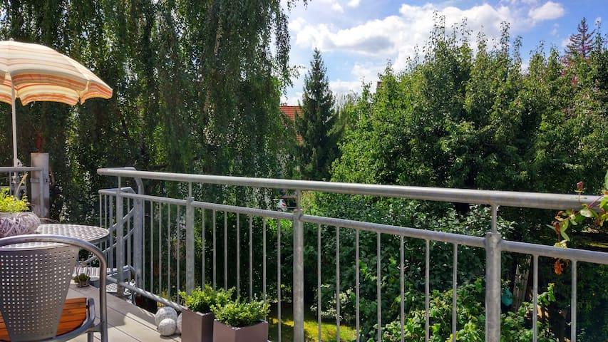 Zimmer in schönem Einfamilienhaus mit Garten - 斯圖加特 - 獨棟