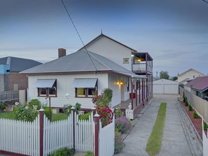 Damacus Rose Lodge Traralgon