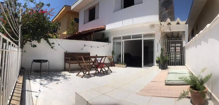 Quarto privativo na Vila Madalena
