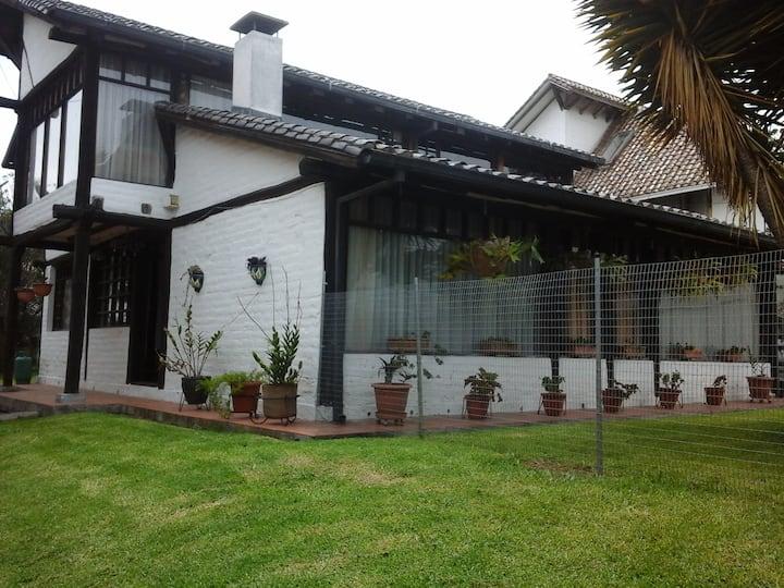Comfortable and quiet room Quito