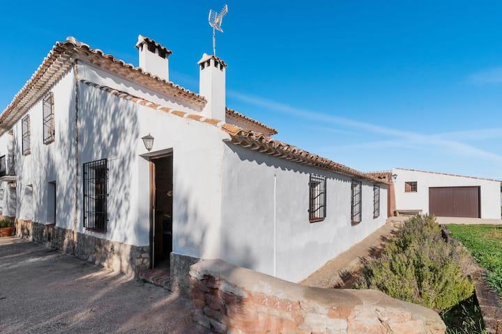 Merveilleuse maison rurale à Alcaraz avec piscine communitaire et spa