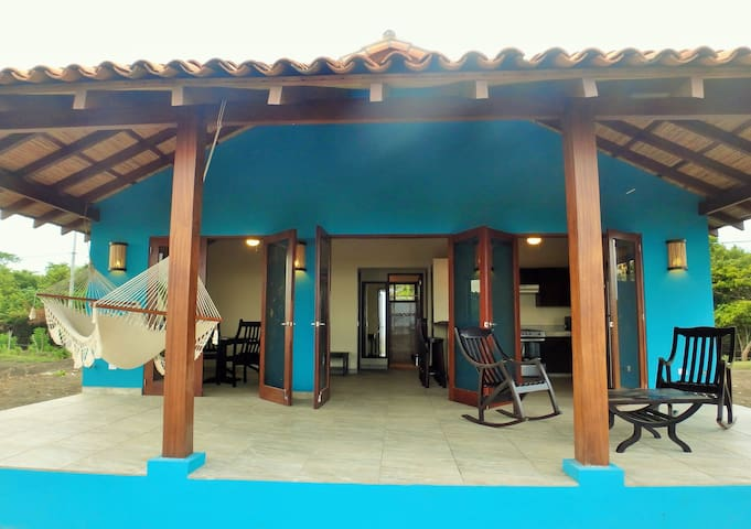 Playa Tesoro 29: Blue Beach House @ Turtle Island - Puerto Sandino - House