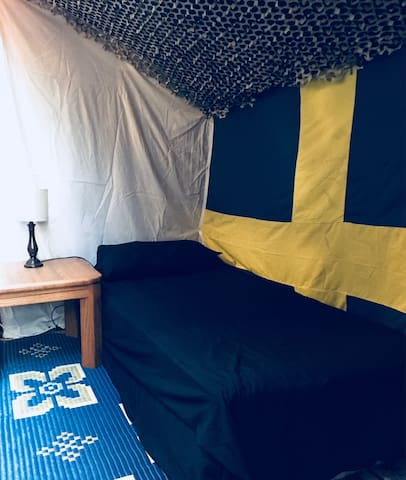 Cozy hollywood Swedish Cabana - 'G'