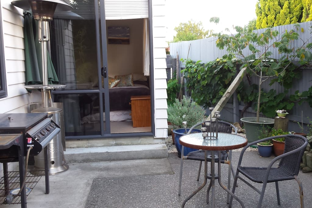 Private courtyard with patio heater & BBQ