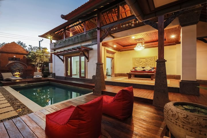 Stunning Balinese home 5 minutes drive to beach