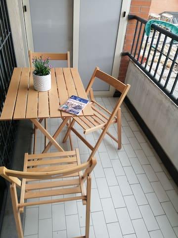 Terrazino abitabile con affaccio interno e tranquillo.