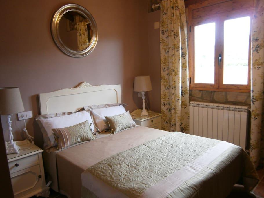 Casa rural con aire vintage casas rurales en alquiler en - Casa rural con jacuzzi aragon ...