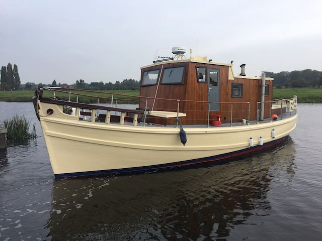 Unique static boat on the Trent