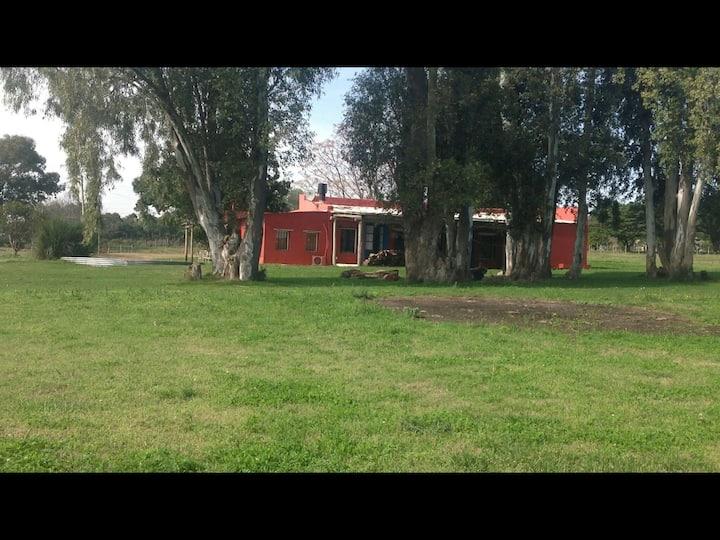 CASA DE CAMPO EN COLONIA