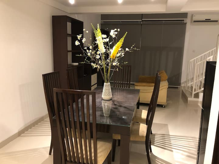 Neo Soho apt at Central Park mall