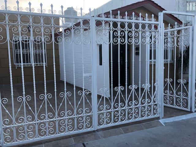 Habitación nueva en Querétaro / Casa Alicia 3