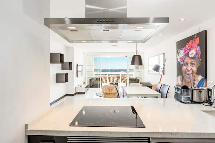 Puerto Banus Marina Apartment with Sea Views