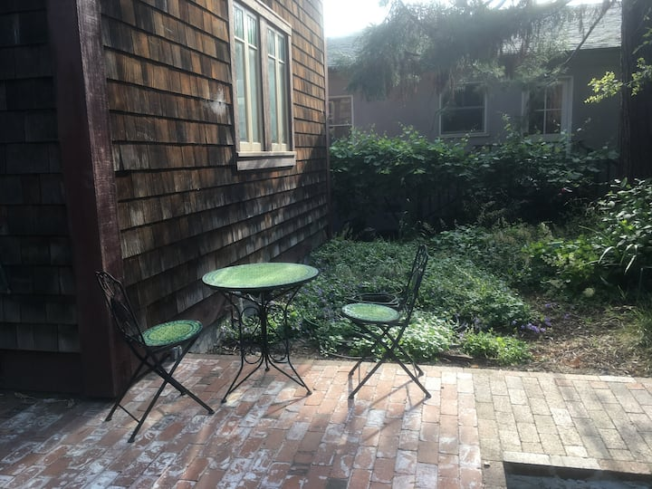 North Oakland Carriage House with Inglenook